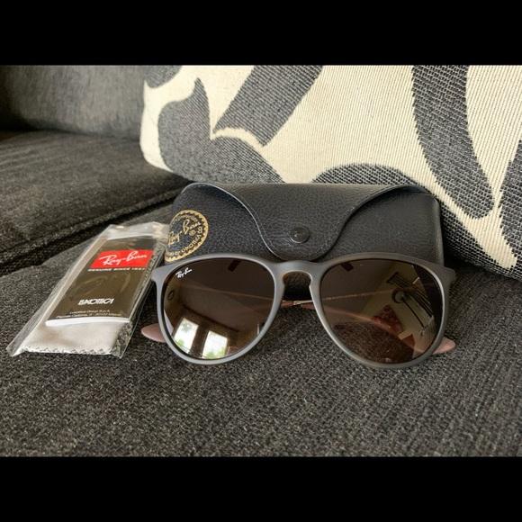 ✅Ray Ban - Erika Brown Sunglasses!